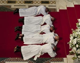 Ordination_to_the_priesthood_Credit_Mazur_CNA_World_Catholic_News_5_21_12